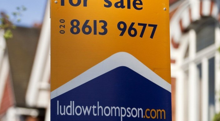 Predictions for London house sales in 2012 photo 1