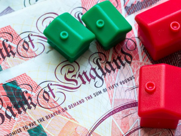 """""""Bank of Mum & Dad"""" set to help younger generation enter the housing market after interest rate cut"""