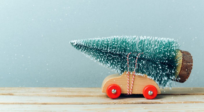 Why house sellers should list their property now to benefit from the Christmas website traffic boom photo 1