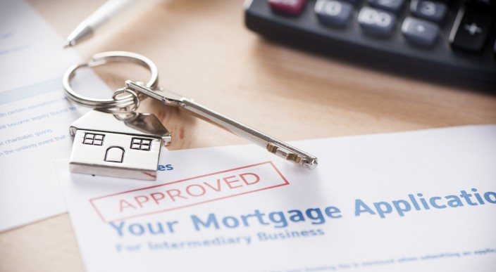 UK mortgage approvals hit a record 13-year high  photo 1