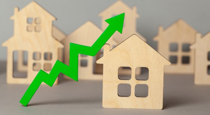 Number of UK landlords hits record high of 2.7m photo 1